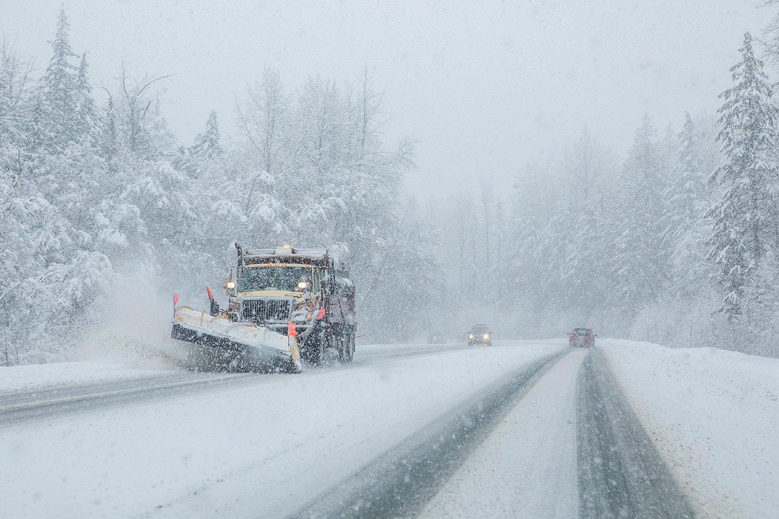 snowplow-iStock-926898416